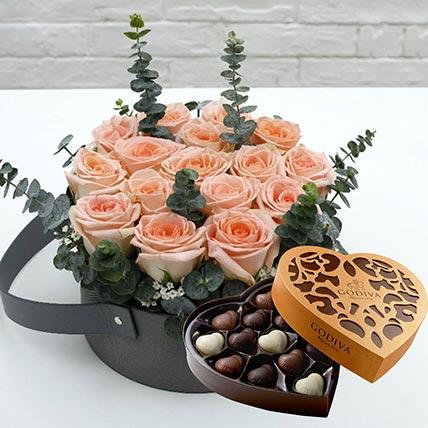 Sweet Pink Roses & Godiva Chocolates 500 gms
