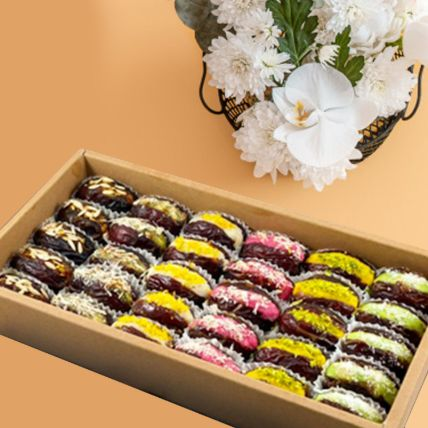 Royal Assortment Of Mejdool Dates Sweets Box Half Kg