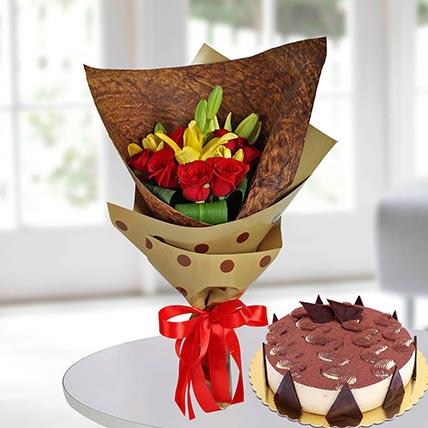 Red Roses & Tiramisu Cake 4 Portions
