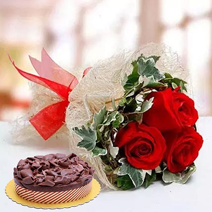 Roses & Chocolate Mousse Cake 4 Portions