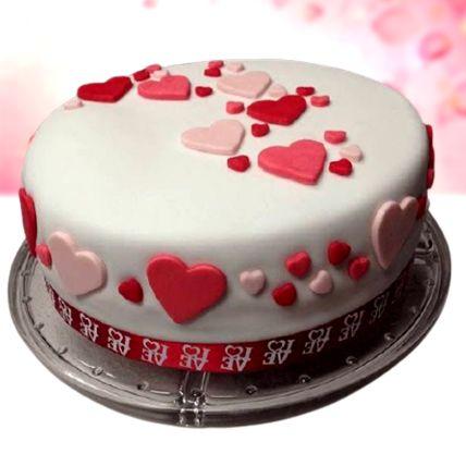 Pretty Love Vanilla Fondant Cake 1 Kg