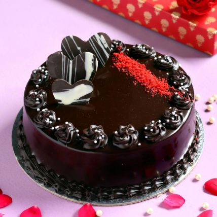 Heavenly Chocolate Cream Cake Half Kg