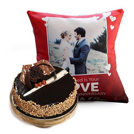 Love Anniversary Cushion And Rose Noir Cake 1 Kg
