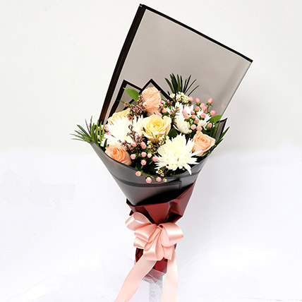 Symphonious Roses and Delistar Mixed Bouquet SG